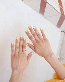 Vernis à ongles bio : les couleurs tendances pour l'été 2021