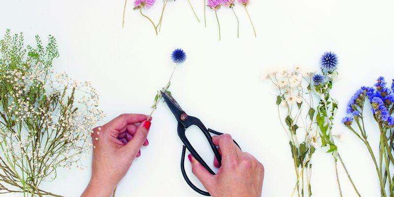 Couronne de fleurs séchées étape 4