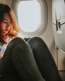 Surmonter sa peur d'avion de manière naturelle
