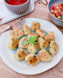 Boulettes de boulgour à la tomme de brebis - Salade de tomates et pois chiches