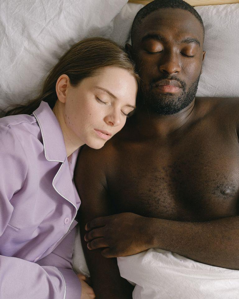 Contrôler ses rêves en dormant