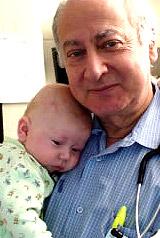 Les coliques et le bébé allaité